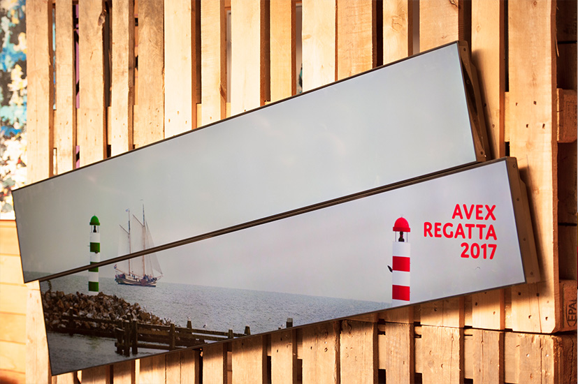 AVEX Regatta Stretched displays