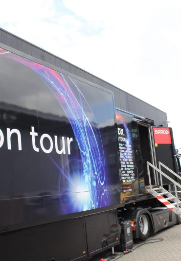 On the road met de Barco 4K Tour truck