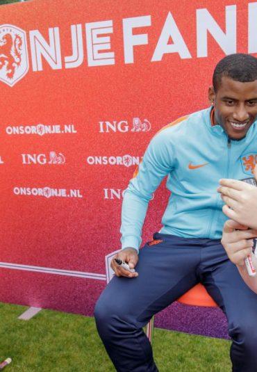 De KNVB Campus kleurt Oranje tijdens de Fandag