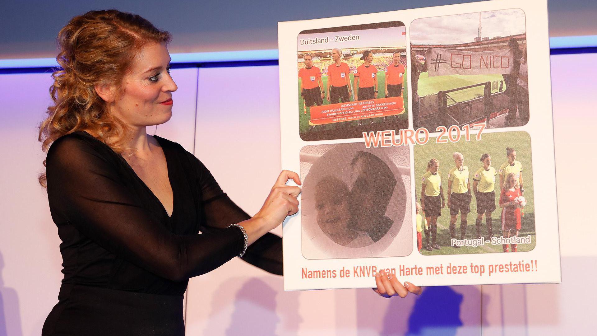 Assistent-scheidsrechter Nicolet Bakker
