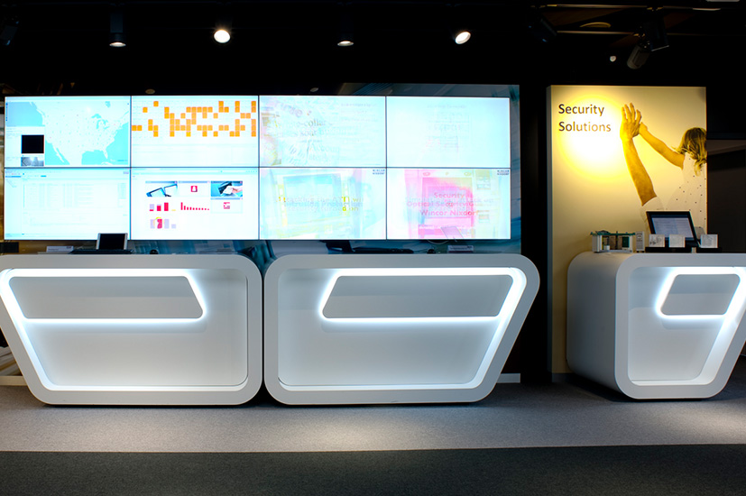 Showroom videowall