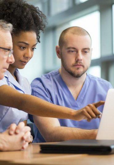 De uitdagingen van medische kennis- overdrachten