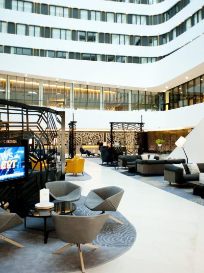 Hilton Airport Schiphol Lobby 10-2
