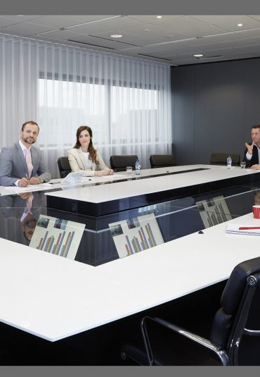 AVEX Launches Quarta Meeting Table in UK